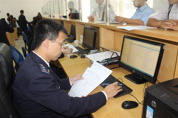 Thuê dịch vụ hải quan để thông quan hàng hóa nhanh chóng và dễ dàng