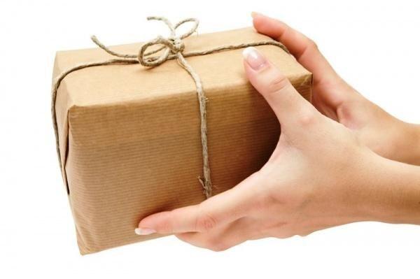 Chi phí chuyển hàng quốc tế qua bưu điện khá rẻ
