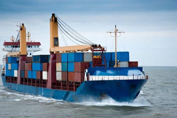 Vận chuyển hàng hóa quốc tế bằng đường biển đang rất phổ biến